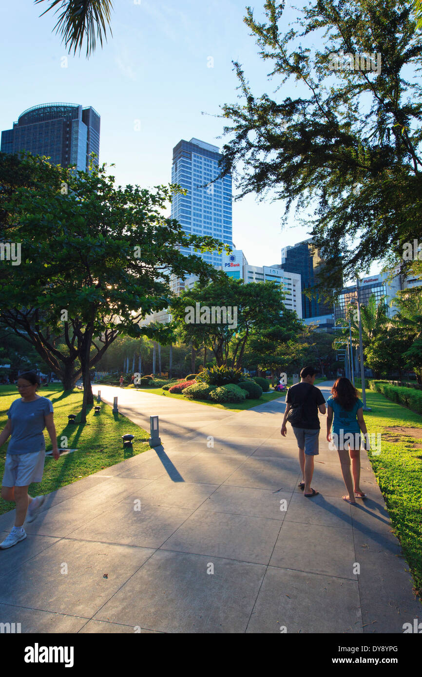 Philippines, Manila, Makati Business District, Makati Avenue, Park - Stock Image