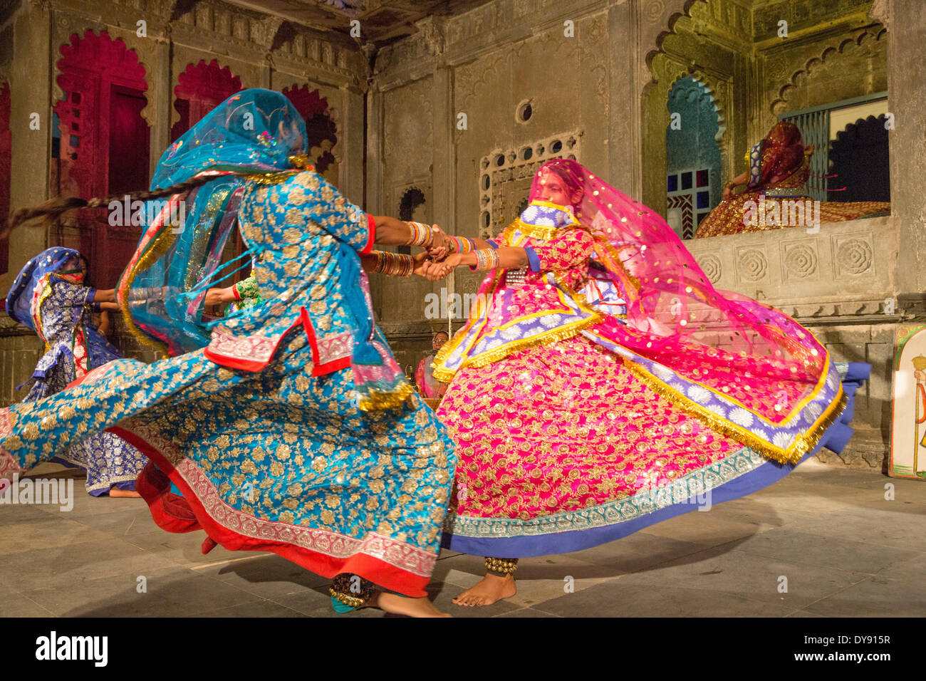 Dance performance show museum Bagore Ki Haveli Udaipur Rajasthan Asia India tradition folklore traditional national costumes, - Stock Image