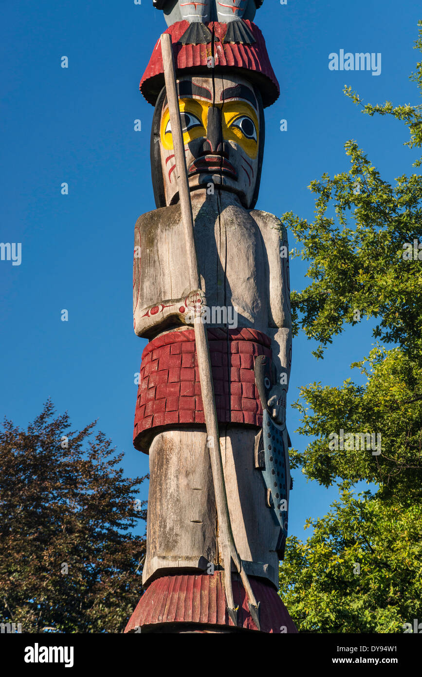 Detail of Knowledge Totem, totem pole by Cicero August, Victoria, Vancouver Island, British Columbia, Canada - Stock Image