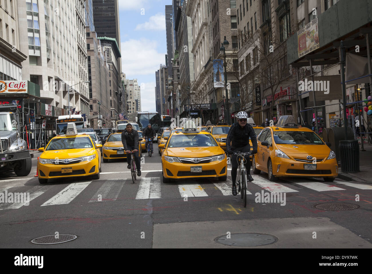 Looking north up 5th Avenue thru a sea of cabs from 35th St. in Manhattan, new York City - Stock Image