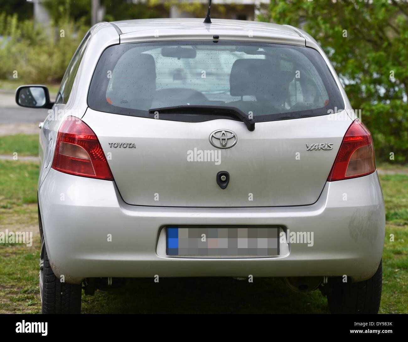 Kelebihan Toyota Yaris 2005 Perbandingan Harga
