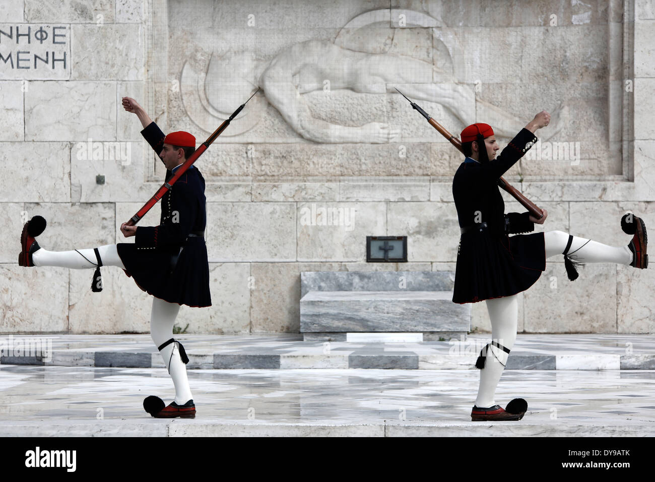 Athens, Greece. 10th Apr, 2014. Evzones perform the Changing of the Guard Ceremony at the Tomb of the Unknown Soldier in Syntagma Square in Athens, Greece on April 10, 2014. Credit:  Konstantinos Tsakalidis/Alamy Live News - Stock Image