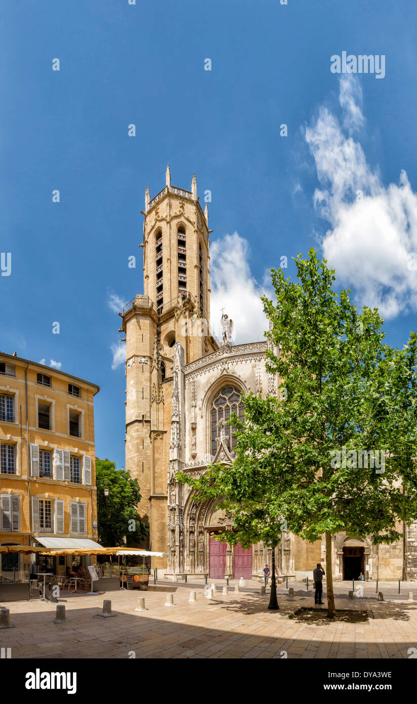Cathedrale Sa cathedral Saint Sauveur d'Aix-en-Provence church monastery forest wood trees summer people Aix en Provence Bouche - Stock Image