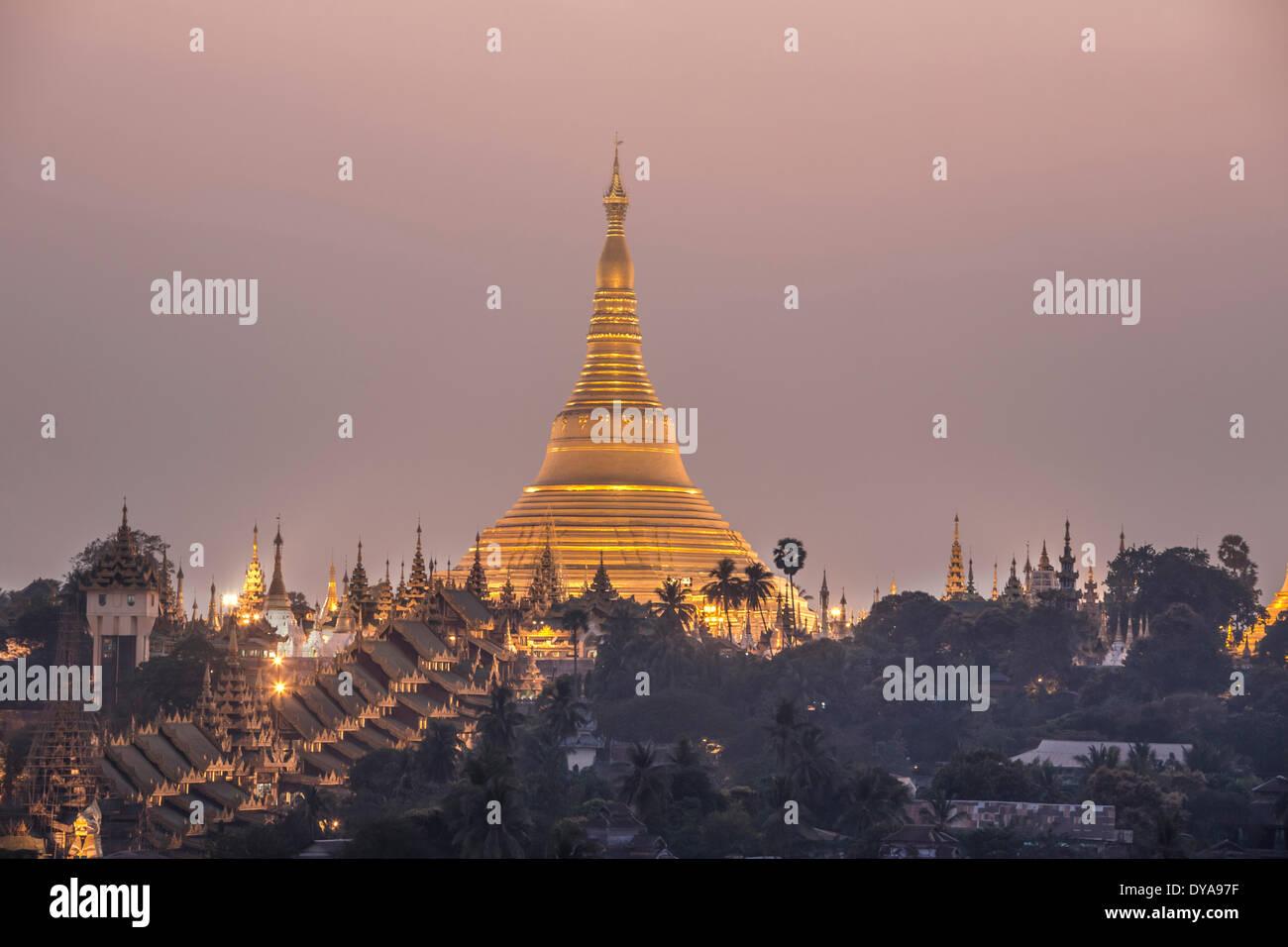 Myanmar, Burma, Asia, Yangon, Rangoon, Shwedagon, Pagoda, religion, golden, landmark, evening Stock Photo