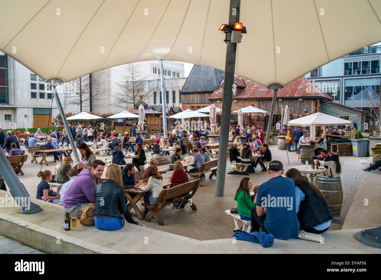 The Oast House Pub outside the Crown Court in Avenue Courtyard, Spinningfields, Manchester, England, UK - Stock Image