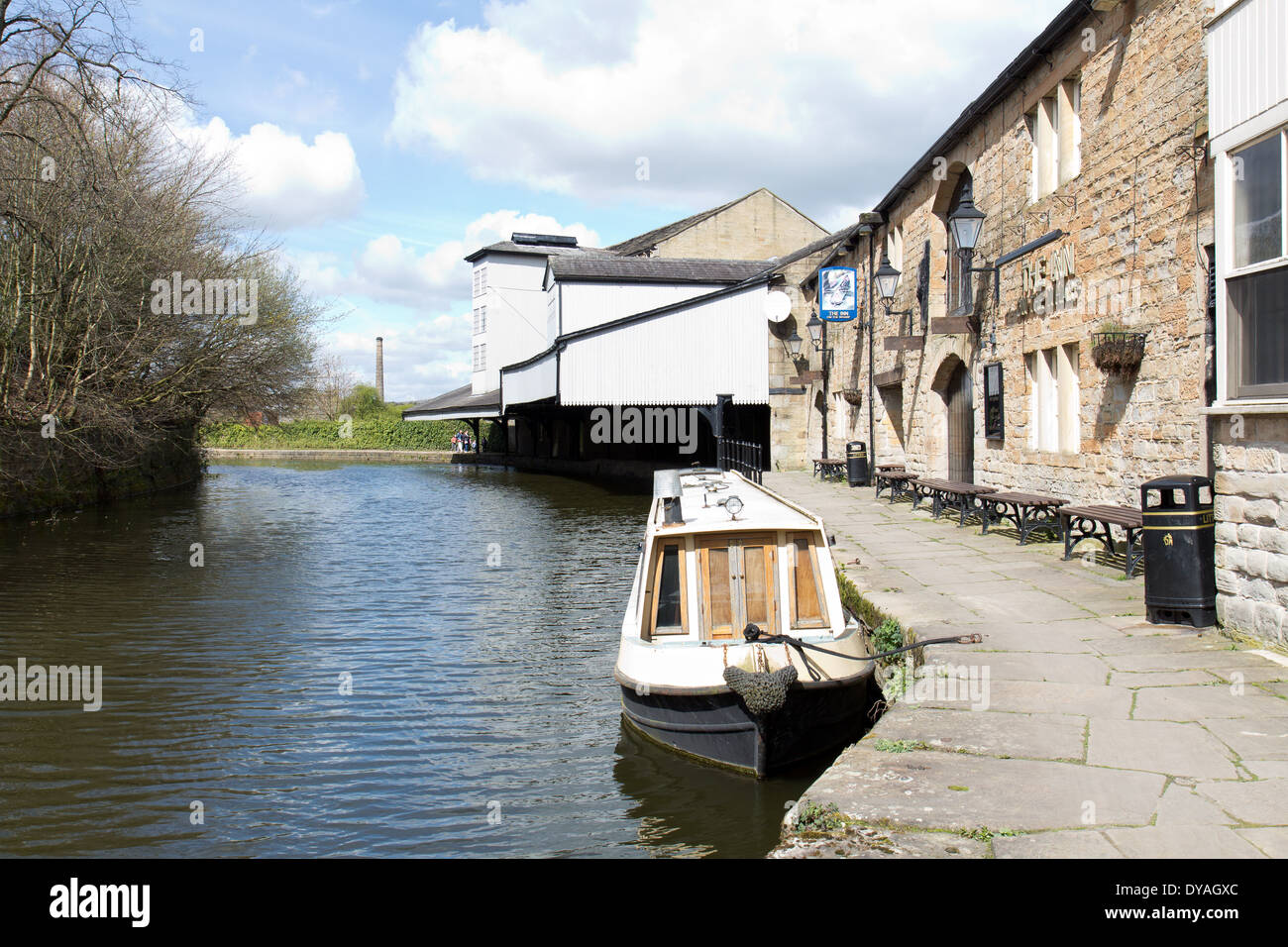 Leeds Liverpool Canal and the Weaver's Triangle at Burnley, Lancashire - Stock Image