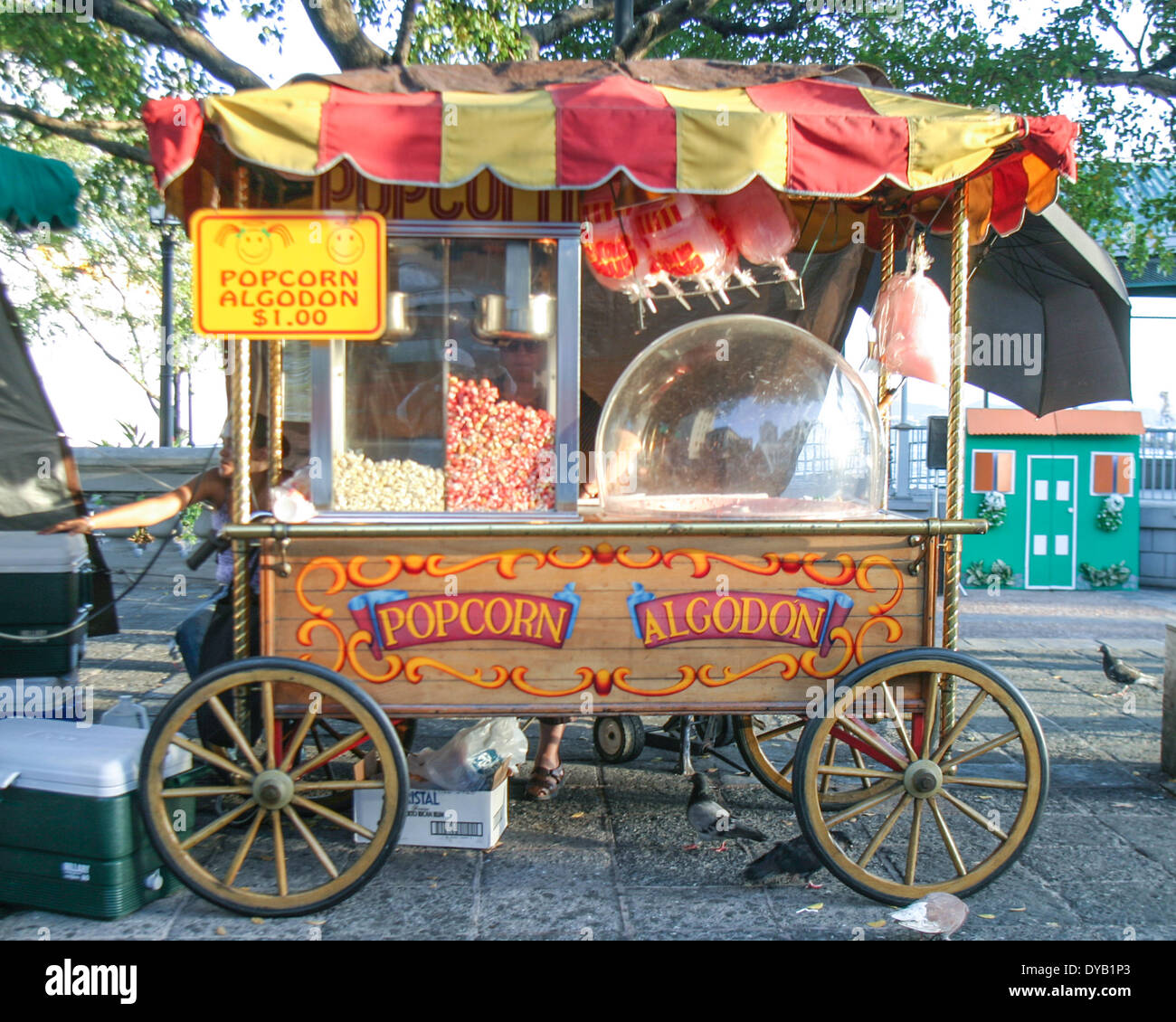 San Juan, Puerto Rico, US. 28th Mar, 2005. A colorfully decorated popcorn cart is located near the cruise ship docks Stock Photo