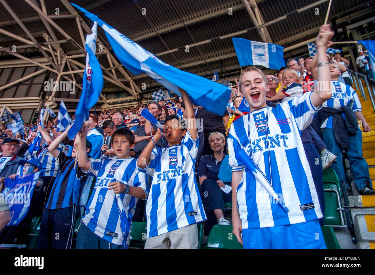 Brighton & Hove Albion fans at the Division 1 play-off final at The Millennium Stadium, Cardiff, Wales in 2004 - Stock Image