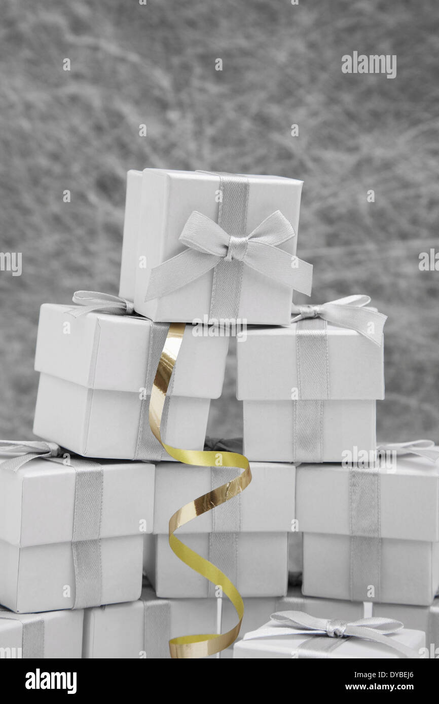Wedding Favor boxes with gold ribbon Stock Photo: 68479774 - Alamy