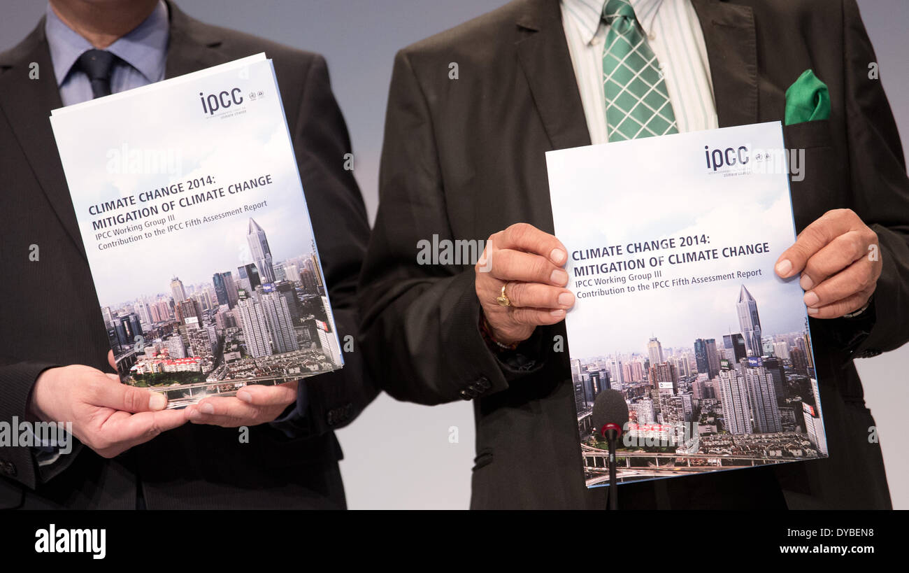 Berlin, Germany. 13th Apr, 2014. Two members of the Working Group 3 of the Intergovernmental Panel on Climate Change Stock Photo