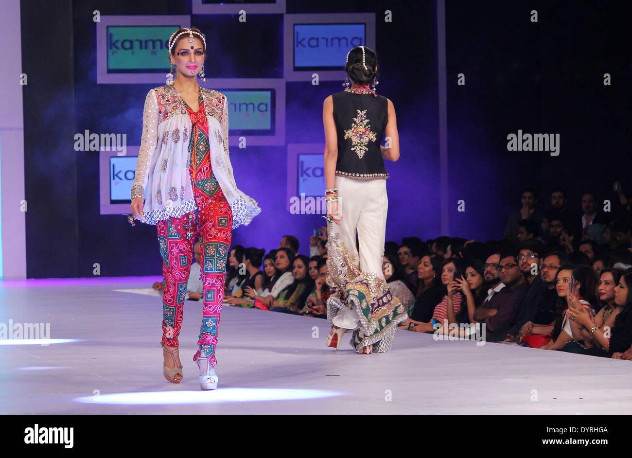 Lahore Pakistan April 12 Pakistani Models Present Creations By Stock Photo Alamy
