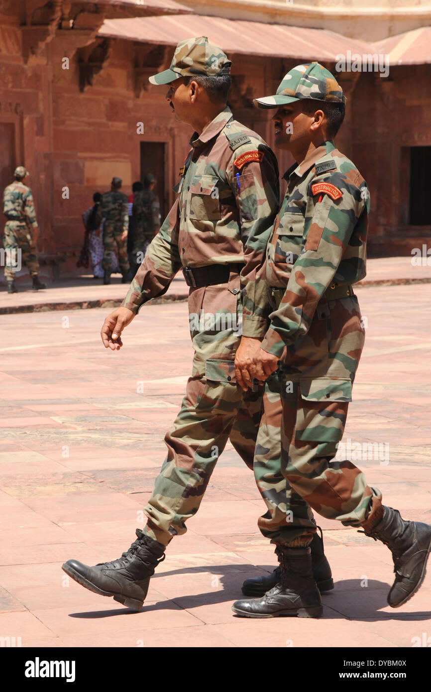 India. April 2014. Indian soldiers in camouflage uniform - Stock Image