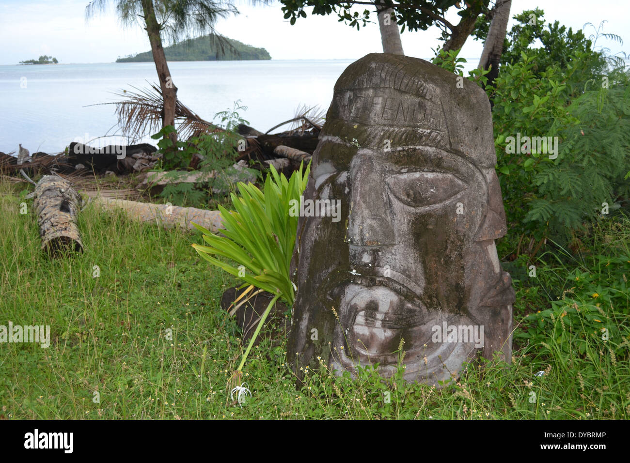 Traditional head sculpture or totem in the coast of Matautu, Wallis Island, Wallis and Futuna, Melanesia, South Pacific - Stock Image