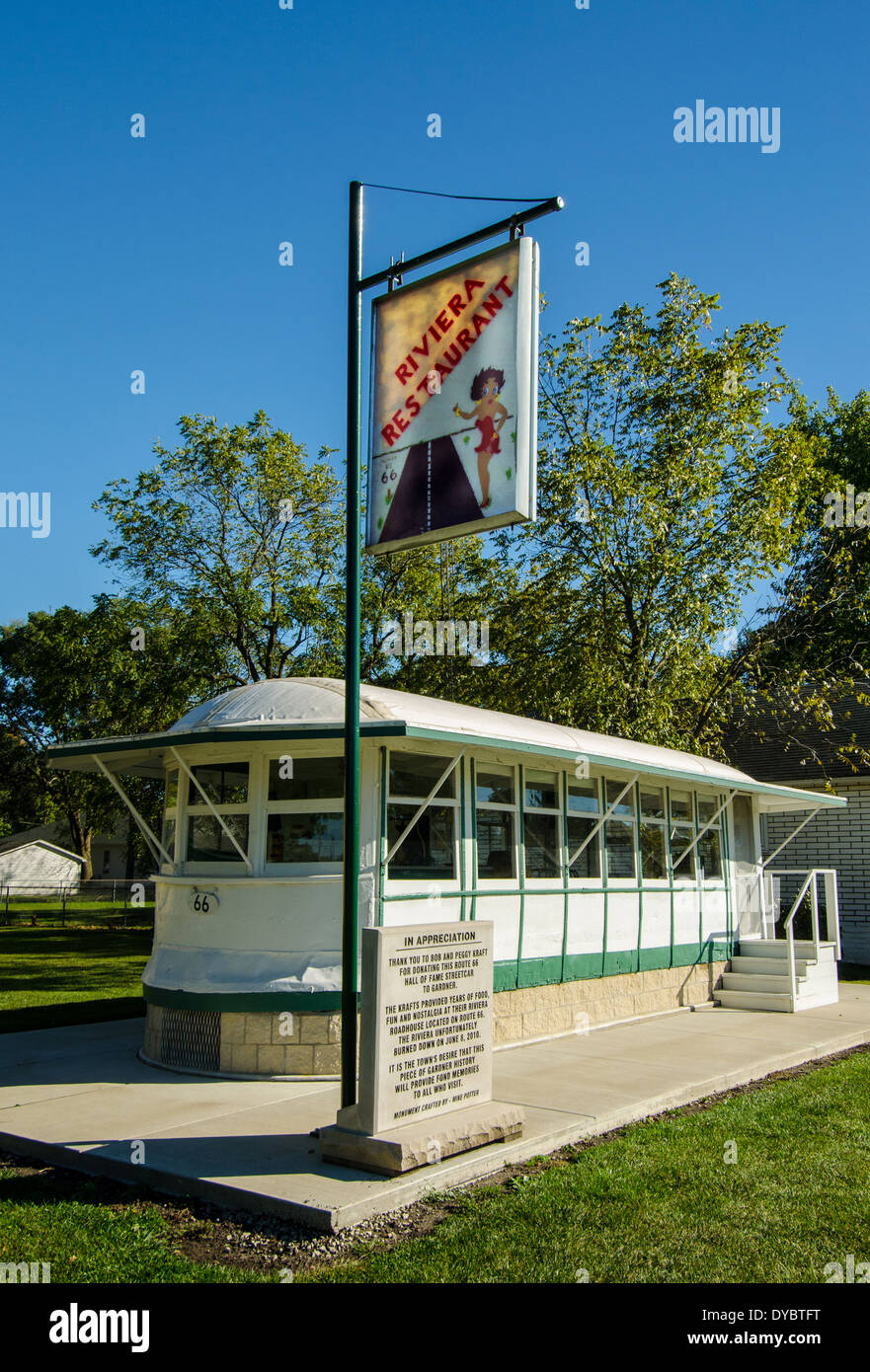 The Historic Streetcar Diner is in the Route 66 Hall of Fame and is located in a town along Route 66. - Stock Image