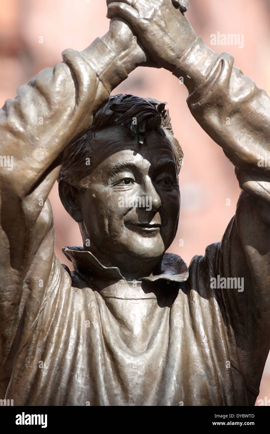 Brian Clough Statue - King Street - Nottingham National Union of Teachers march in Nottingham on the day of the NUT Teachers Strike Strike and Rally March 26th Assemble 10am Forest Recreation Ground March to Market Square Rally 11am - Stock Image