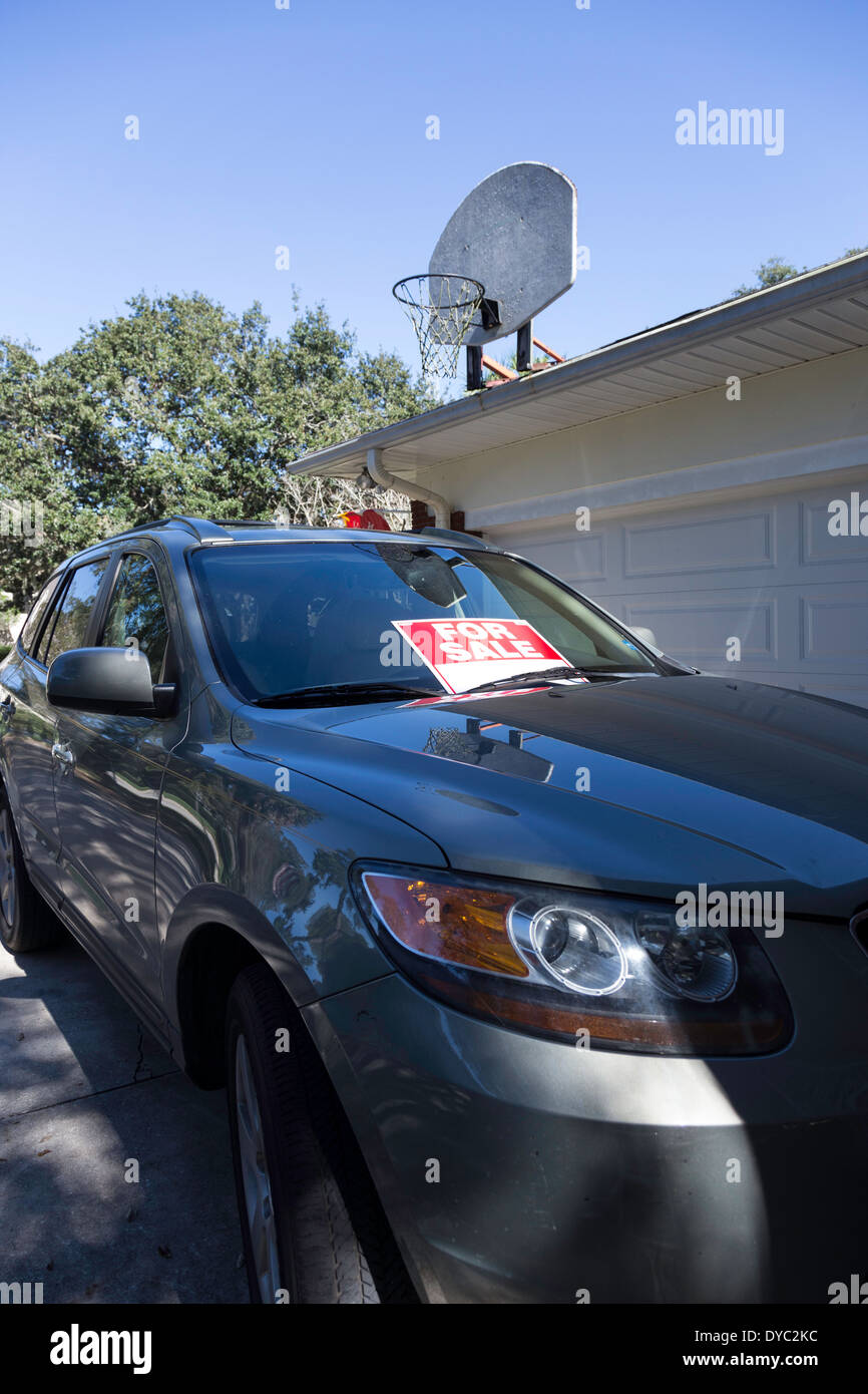 Used Car For Sale by Owner, USA Stock Photo: 68492352 - Alamy