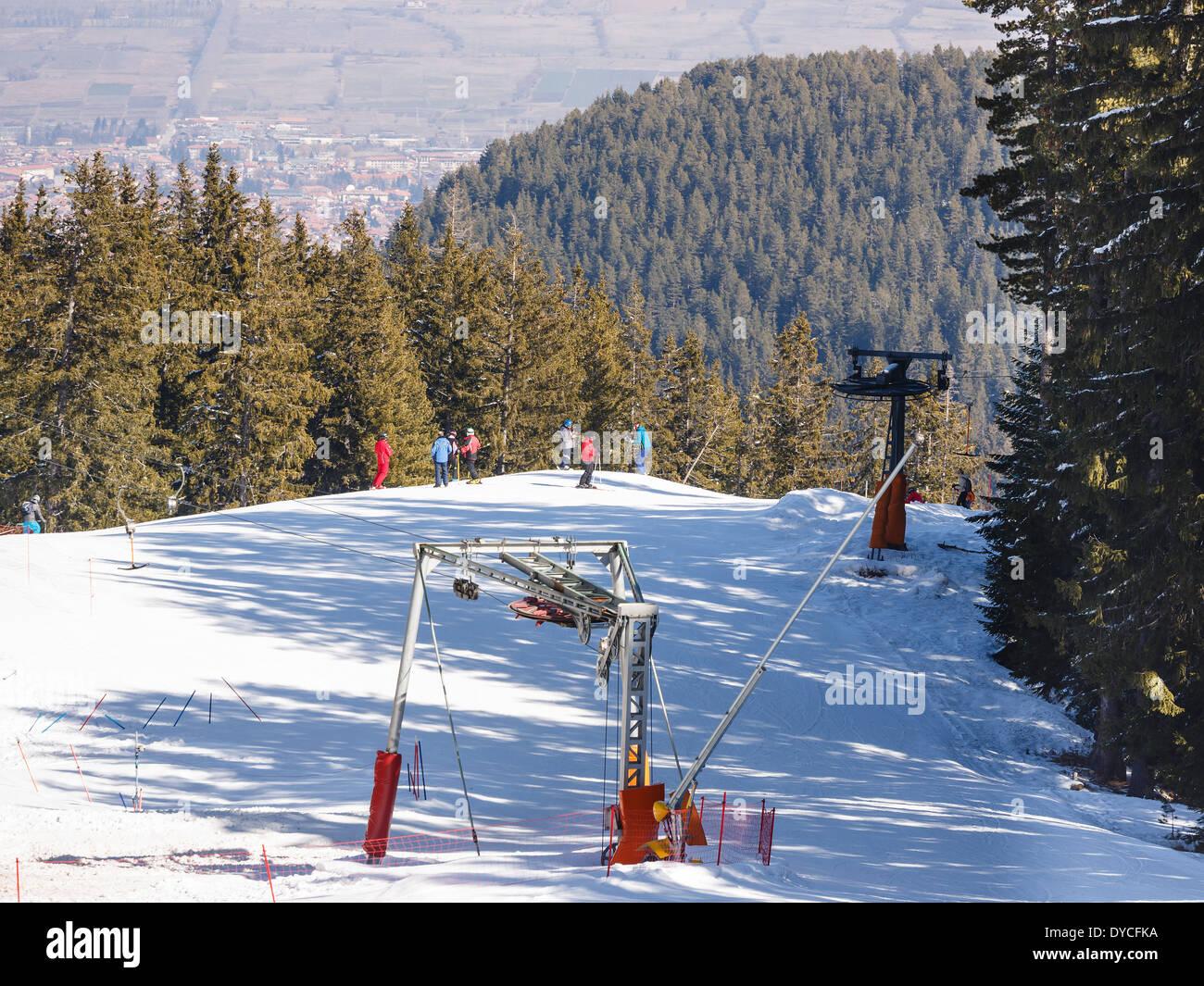 Downhill skiing on Todorka mountain, Bansko, Bulgaria Stock Photo