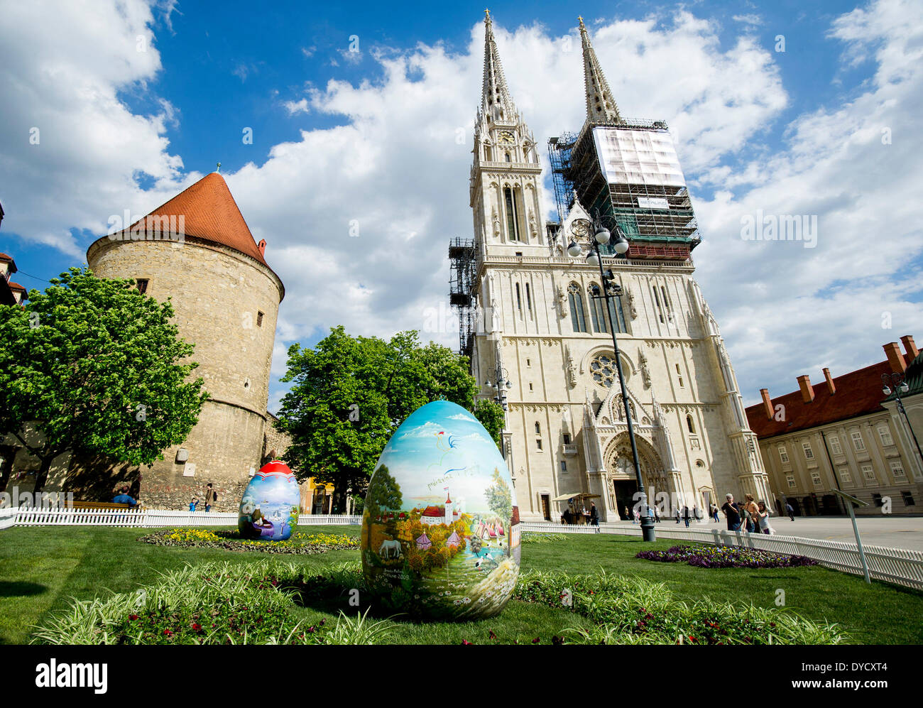 Zagreb, Croatia. 14th Apr, 2014. Photo taken on April 14, 2014 shows huge hand-painted Easter eggs on display near Stock Photo
