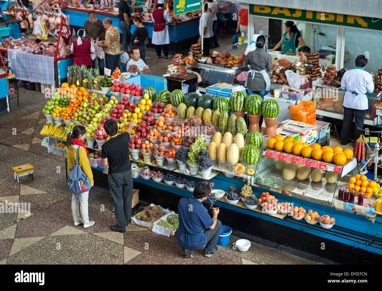 Fruit stall at the Green Market, Zelyoni Bazaar, Almaty, Kazakhstan - Stock Image