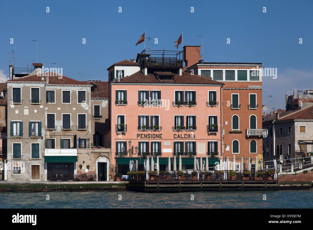 Pensione La Calcina (centre), a literary hotel where John Ruskin and many other writers resided, Giudecca Canal, Venice, Italy - Stock Image
