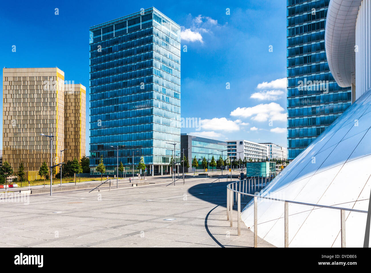 European Court of Justice with the European Parliament and part of the Philharmonie concert hall on the Kirchberg Plateau in Lux - Stock Image