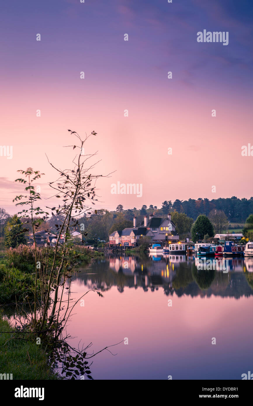 View across the river Soar from Sutton Bonington towards Kegworth. - Stock Image