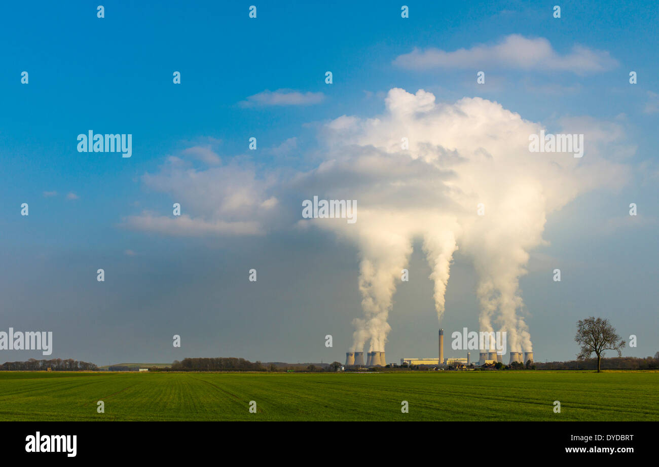 Drax Power Station is the largest and most efficient coal fired power station in the UK. - Stock Image