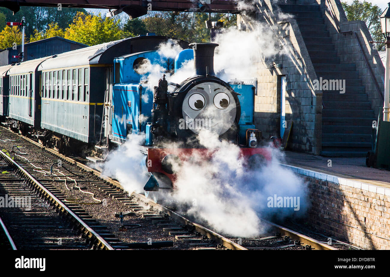 Thomas the Tank Engine travels along the Nene Valley Railway. - Stock Image