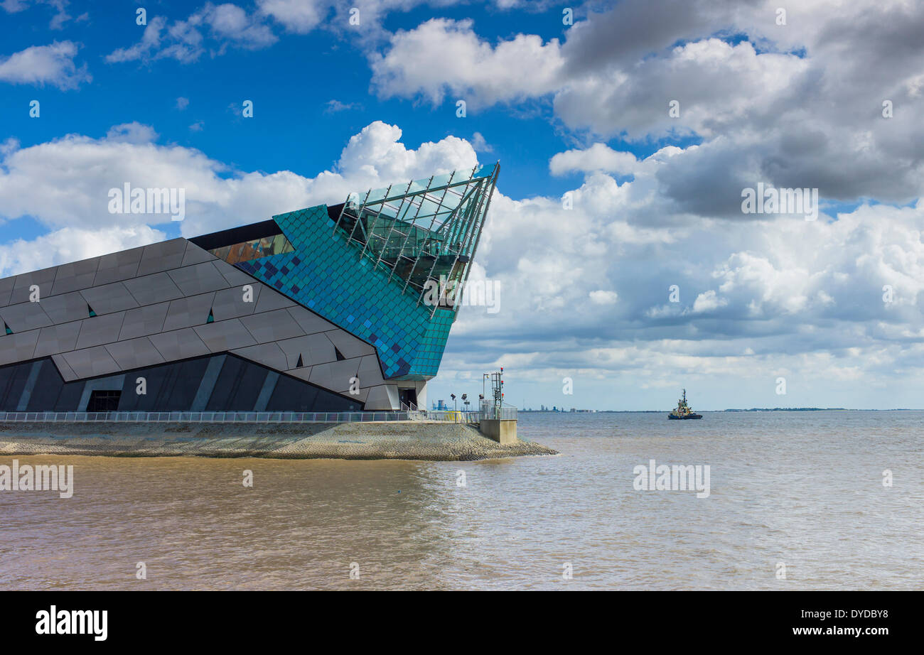 The Deep in Hull is one of the most spectacular aquariums in the world and is home to 3500 fish. - Stock Image