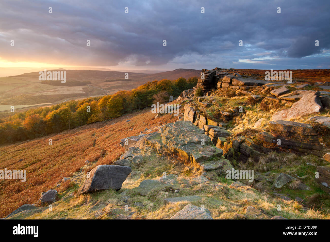A dramatic autumnal sunset over Stanage Edge in the Peak District National Park. - Stock Image