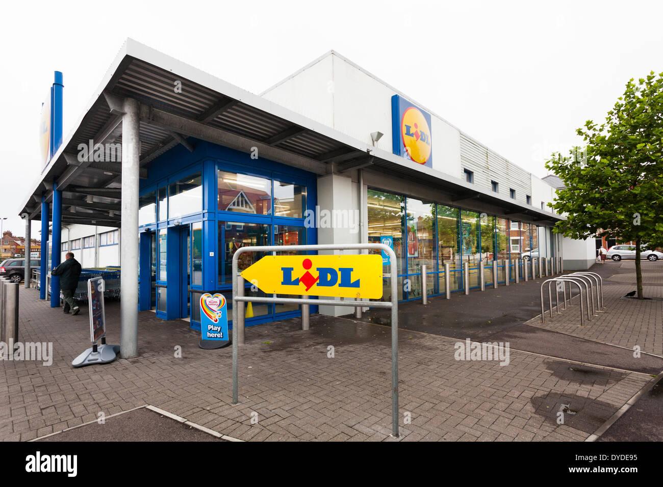 Esterno del supermercato di Lidl in foto delle azione di Littlehampton-7423