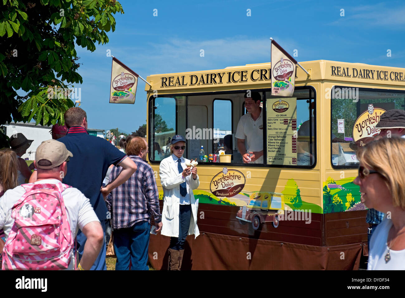 People buying ice cream on a hot summer day at the Great Yorkshire Show. - Stock Image