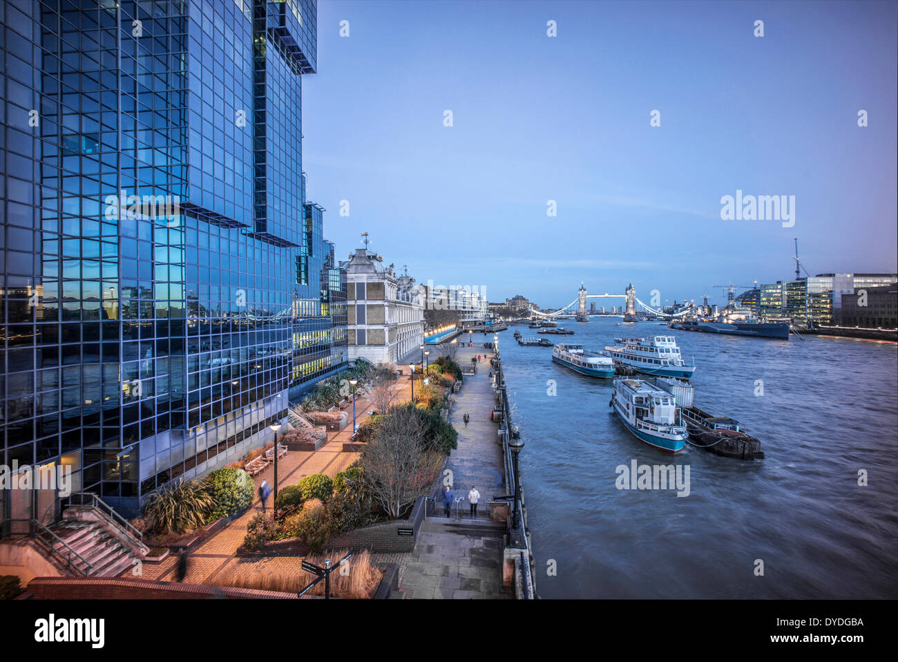 The River Thames and Tower Bridge. - Stock Image