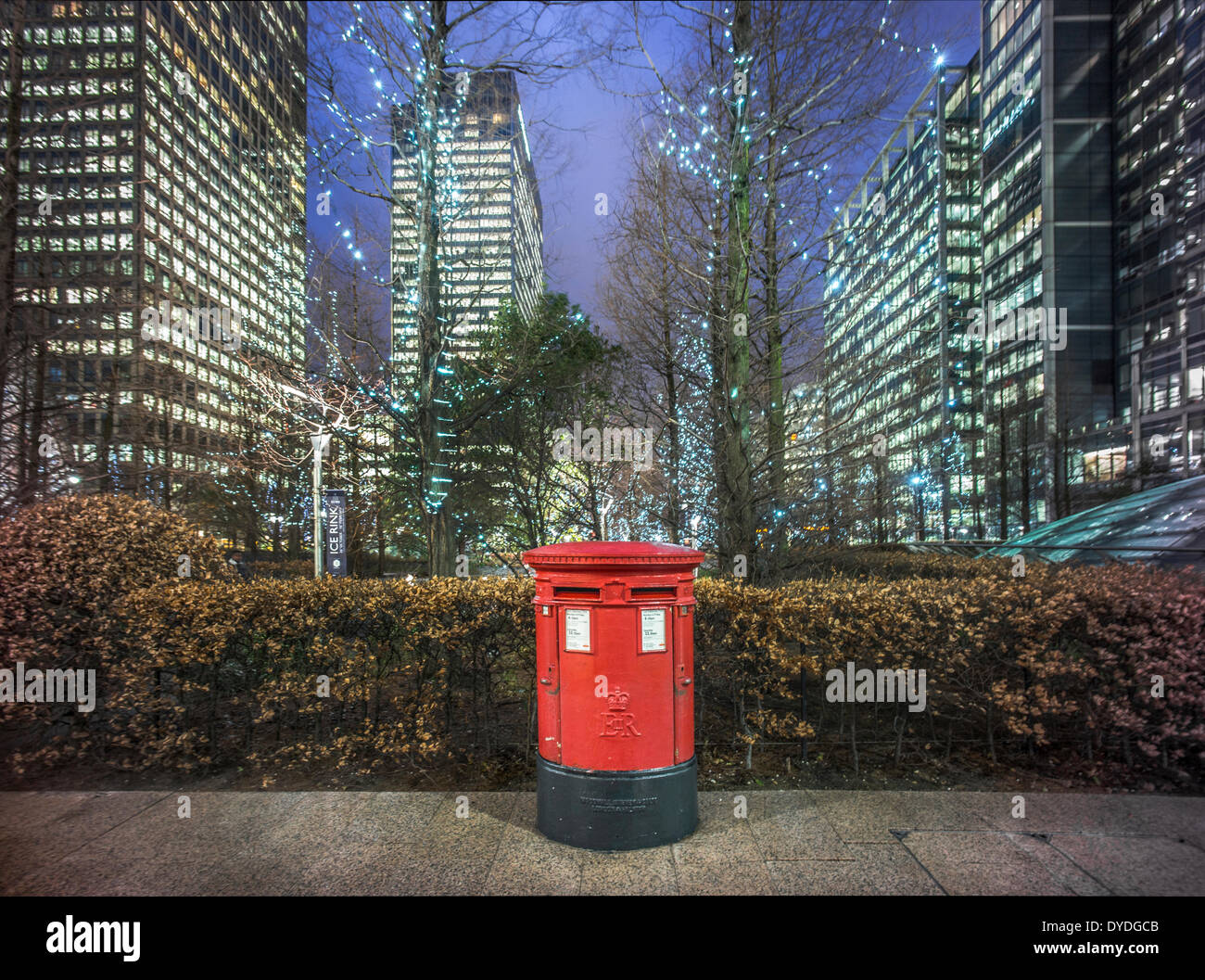 A post box at Canary Wharf. - Stock Image