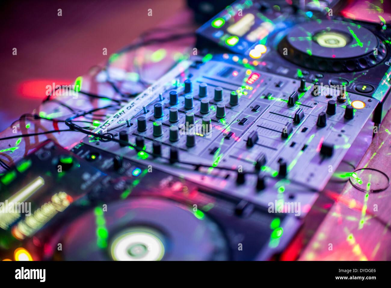 CD DJ mixing decks. - Stock Image