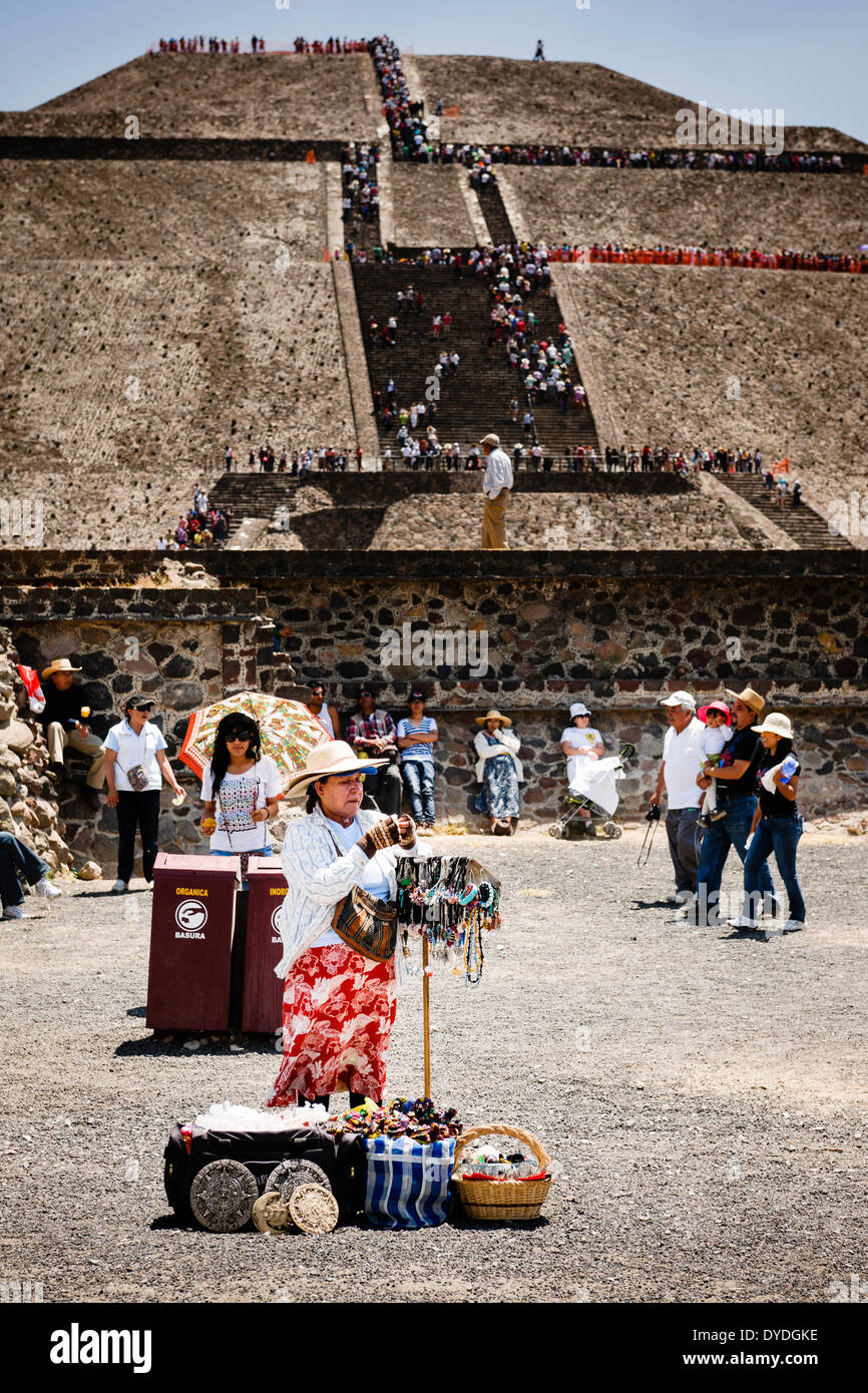 One of many souvenir vendors in front of the Pyramid of the Sun at Teotihuacan in Mexico City. - Stock Image