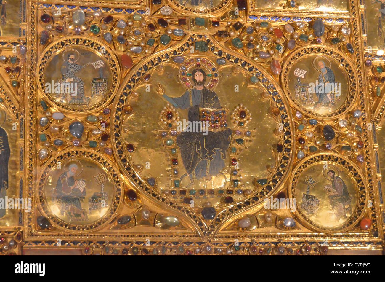 treasure gold gems priceless pala d'oro art retable pala d'oro precious stones st mark's basilica Venice Italy pure gold bul - Stock Image