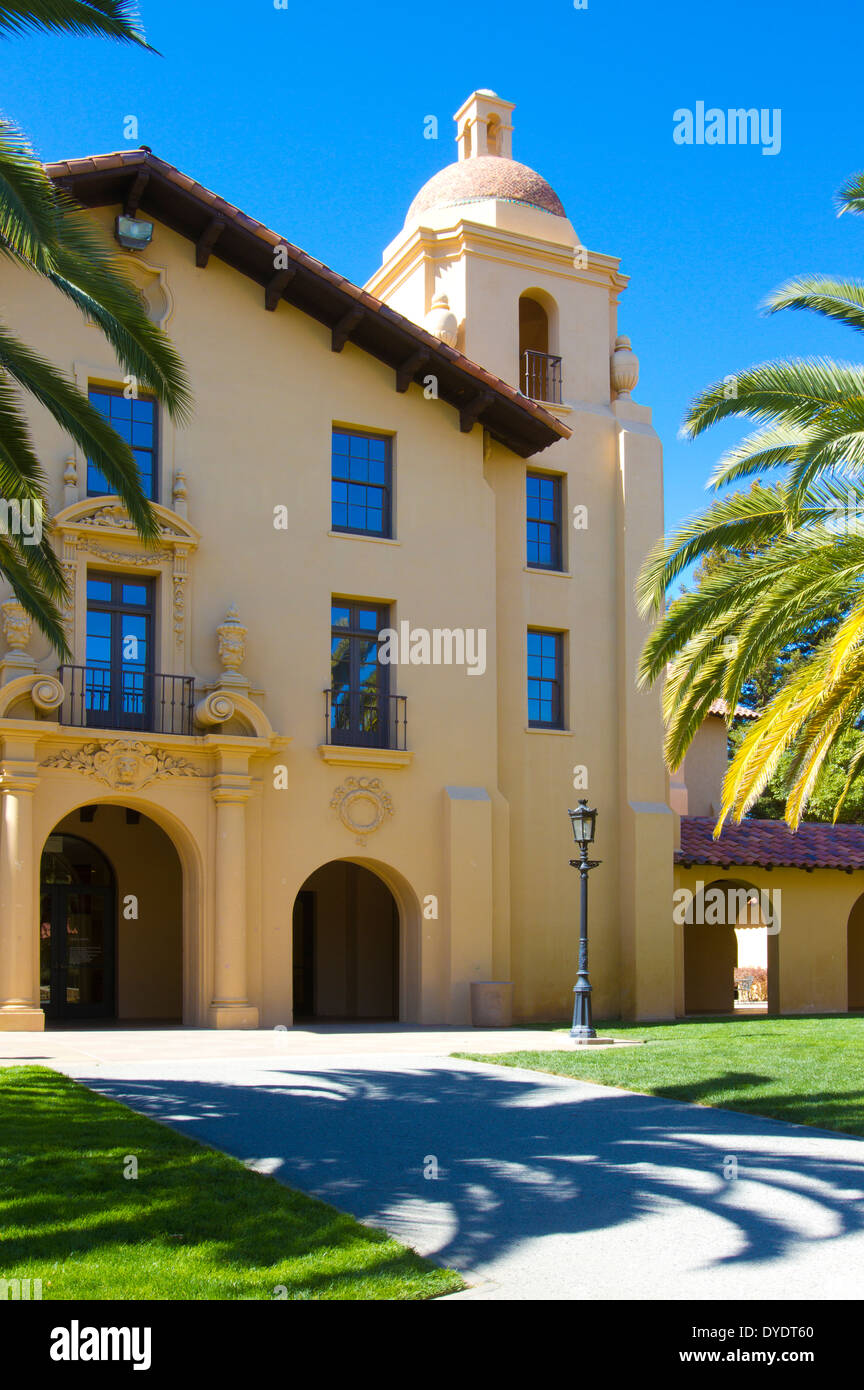Old Union Building with shadow of palm tree on Stanford University campus - Stock Image