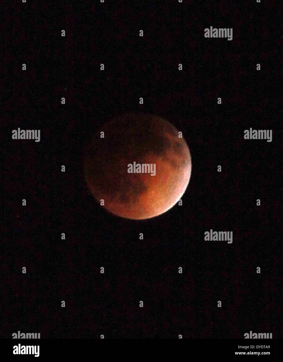 Eclipse Las Vegas >> Las Vegas Nevada Usa 15th Apr 2014 A Total Lunar Eclipse Seen