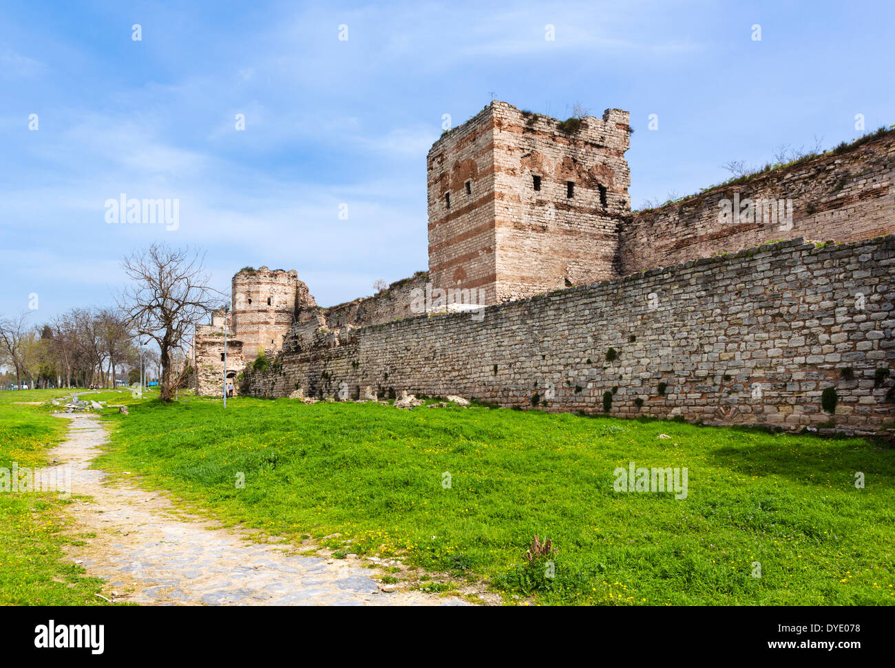 The old land walls of Theodosius II near the 1453 Panorama Museum, Topkapi district, Istanbul,Turkey - Stock Image