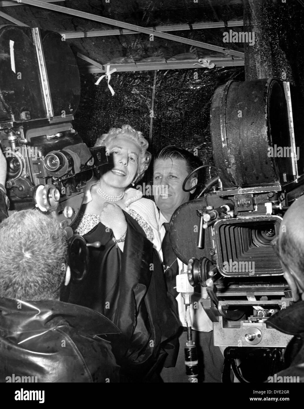 Novelist Edna Ferber and Director George Stevens, on-set of the Film, 'Giant', 1956 - Stock Image