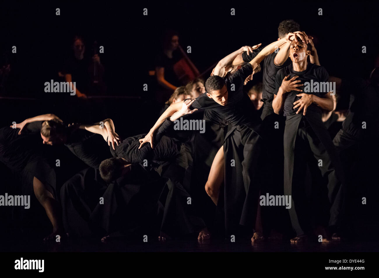 Lonodon 15 04 2014 National Youth Dance Company perfoming