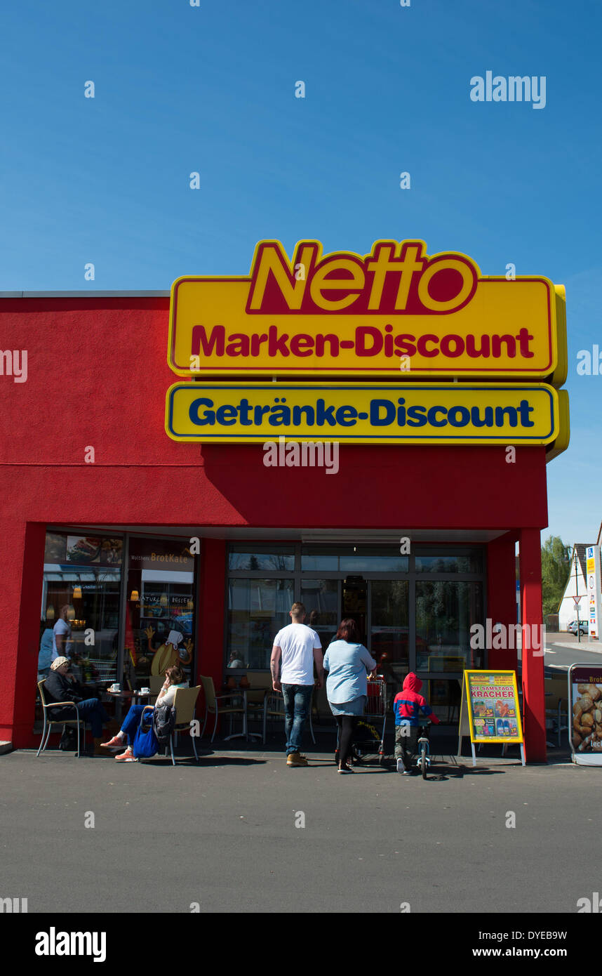 A Netto discount supermarket, seen on 12 April 2014 in Walsrode ...