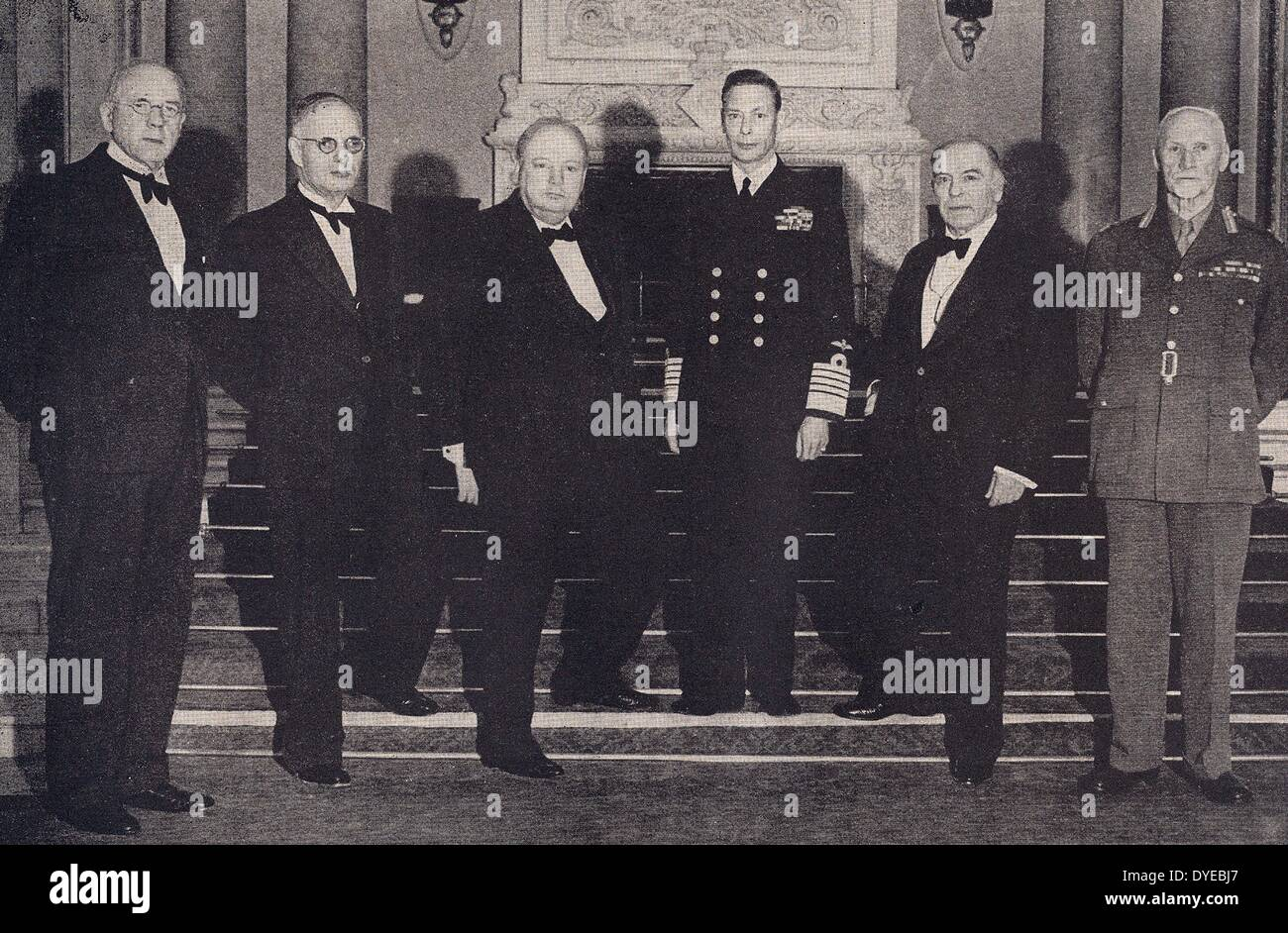 King George VI with British Prime Minister Winston Churchill and General Smuts of South Africa. London 1940 - Stock Image