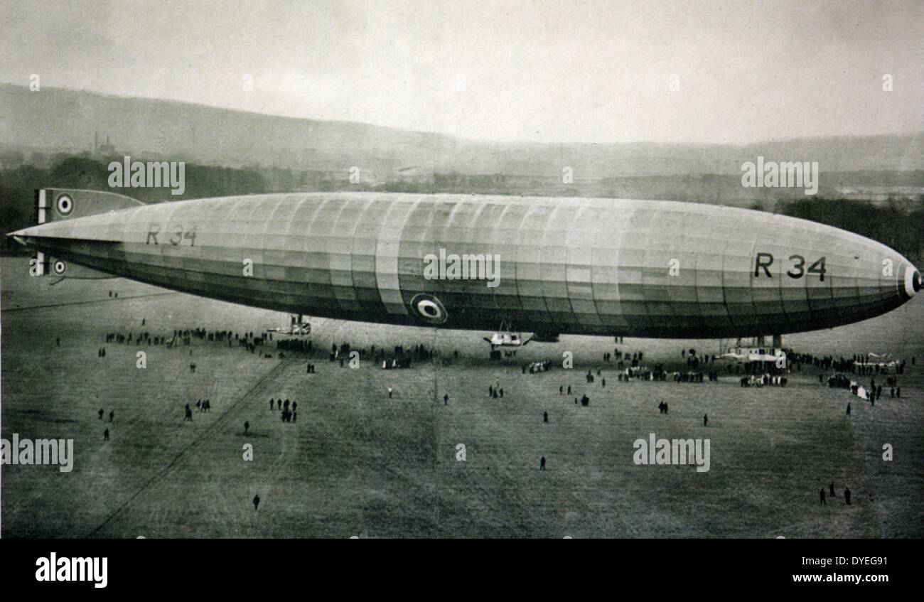 R34, Britain's titanic airship launched at Inchinnan Stock Photo