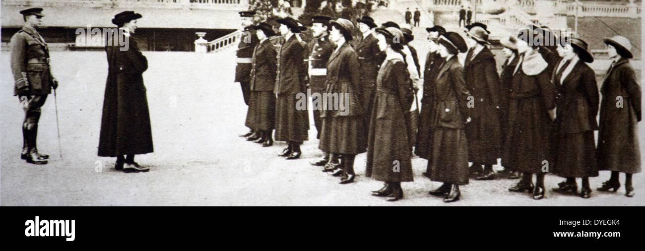 Dame Katharine Furse G.B.E. addressing ratings of the Women's Royal Naval Service - Stock Image
