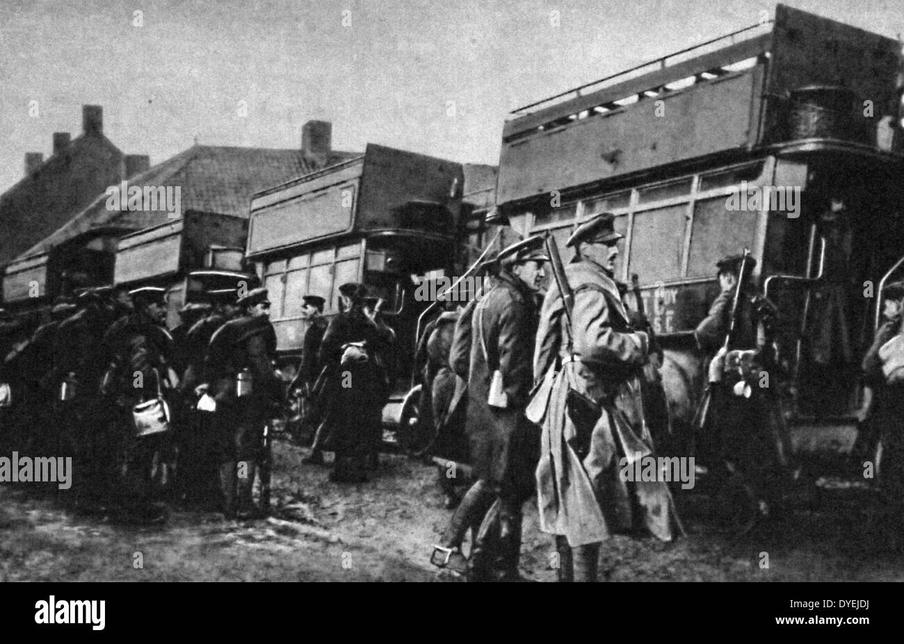 British soldiers travel by bus to the frontlines from Antwerp - Stock Image