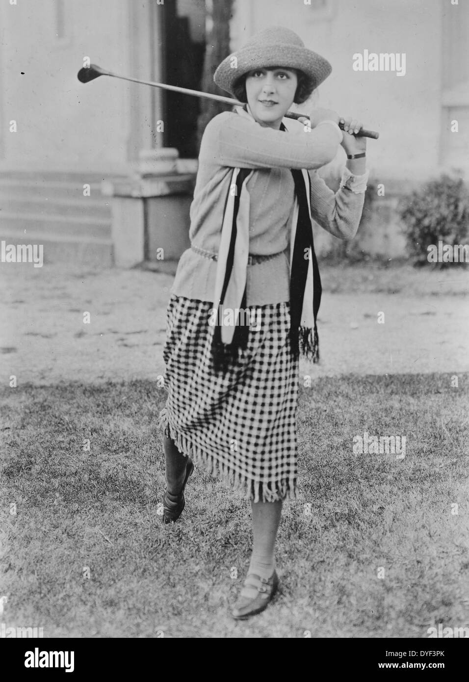 Patsy Ruth Miller Playing Golf 1932 - Stock Image