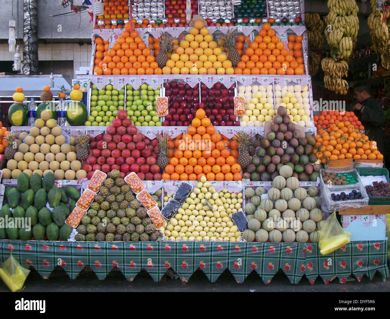 Fruit stall, Sharm El Sheikh, Egypt, 2009. The visual art of displaying fruit on a market stall. - Stock Image