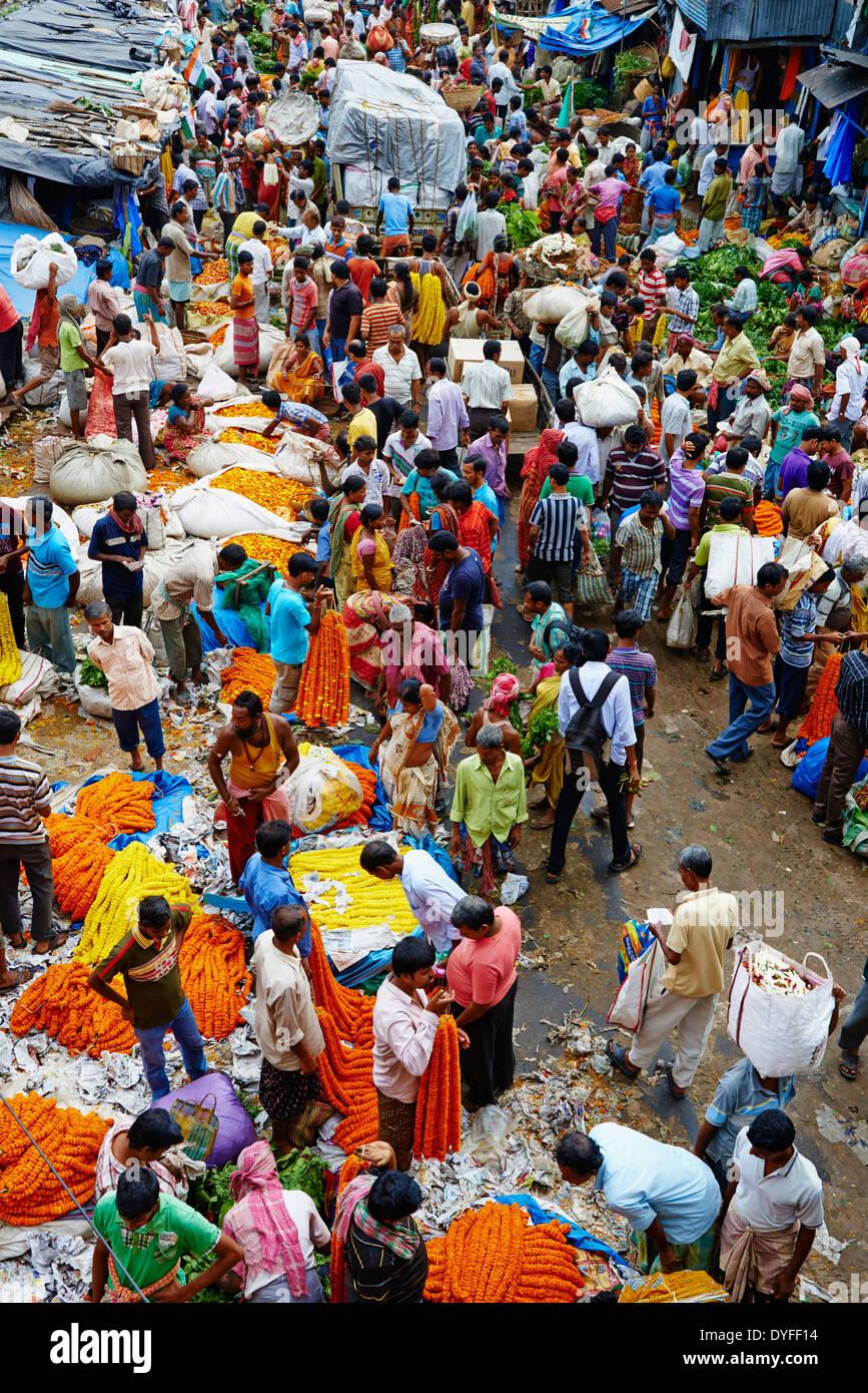 India, West Bengal, Kolkata, Calcutta, Mullik Ghat flower market - Stock Image
